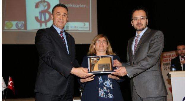 ADÜ'den Türk Kızılayı'na destek