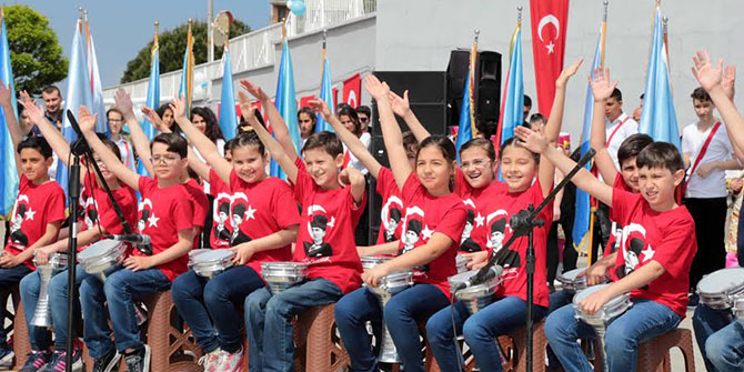 Karabağlar'da 23 Nisan'ın 97. Yıldönümü Kutlandı