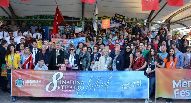 MENEMEN'DE FESTİVAL VAR